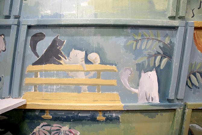 detalle de los gatos del mural del barco Aita Mari